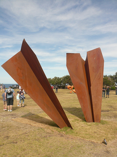 blog voyage australie whv travel bondi sculpture by the sea paper plane art