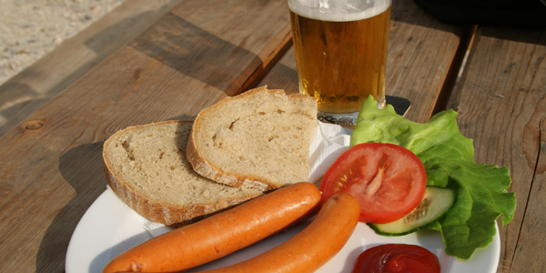 blog voyage australie whv tcheque parky food bouffe saucage beer bread pain biere