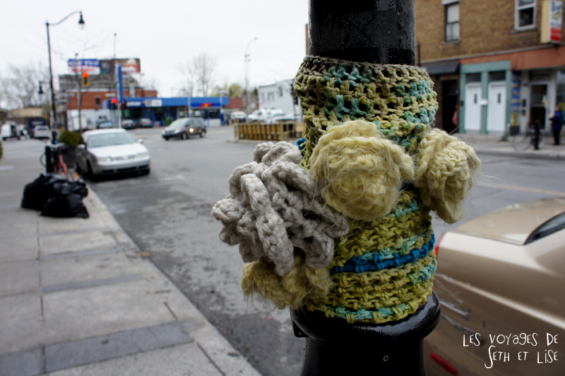 blog voyage canada pvt montreal mile end insolite lampadaire pull street art