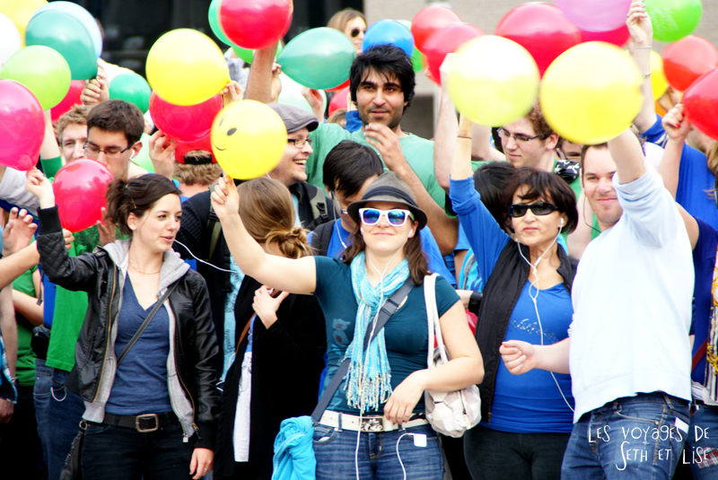 flashmob juste pour rire montreal improv everywhere mp3 experience blog pvt canada ballon gonfler portrait