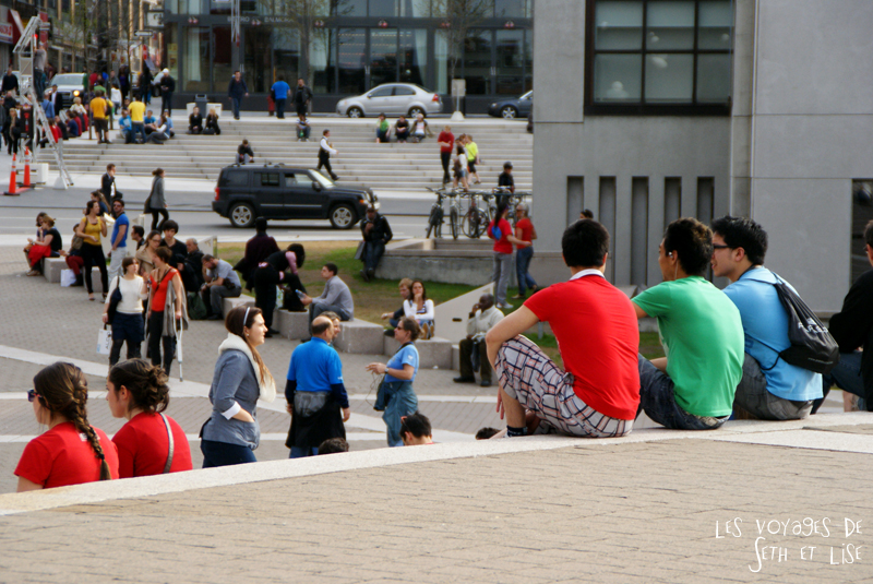 flashmob juste pour rire montreal improv everywhere mp3 experience blog pvt canada t shirt couleur assis