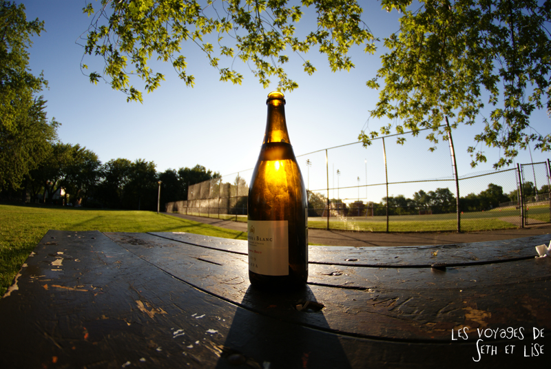 blog canada montreal pvt seth lise photo sunrise urbain soleil crépusucle vin bouteille wine