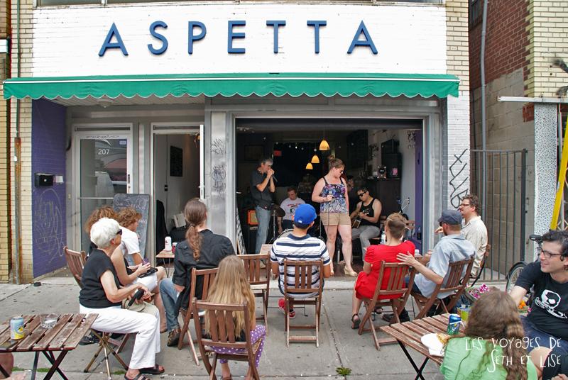 blog pvt canada toronto couple voyage tour du monde travel whv ontario street insolite concert aspetta bar musique music