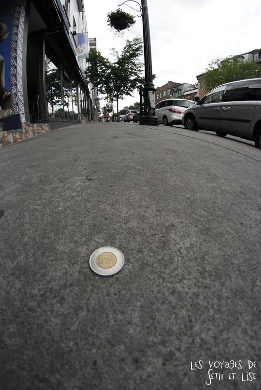 blog voyage canada montreal pvt couple tour monde photo coin dollar piece prank glued colle