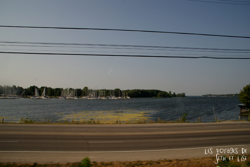 blog pvt canada toronto couple whv voyage photos tour du monde rail train port lac ontario bateau