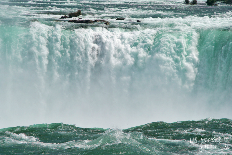 niagara falls chutes ontario canada pvt blog tourisme cascade nature couple eau couleur