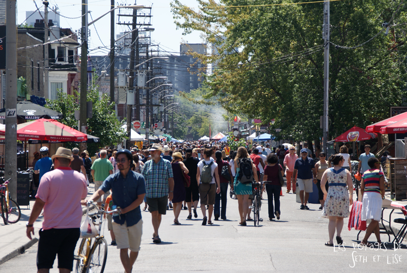 blog voyage canada pvt toronto kensington pedestrian market hippie chill crowd people