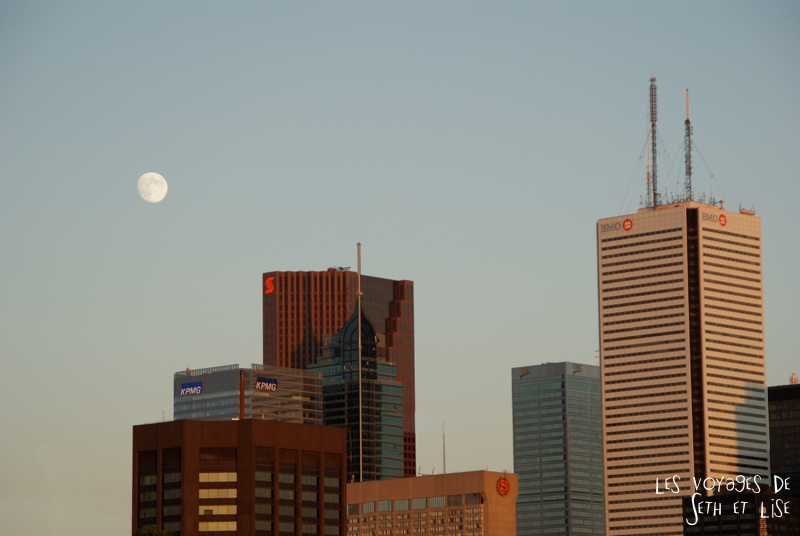 blog photo voyage canada pvt toronto architecture building city urbain urban moon skyline