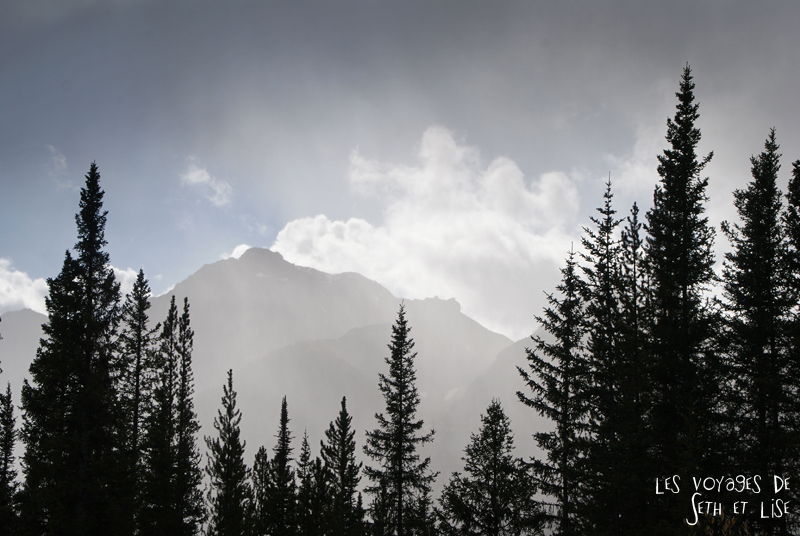 blog pvt photographie pvtiste canada alberta rocheuses rockies moutains voyage montagne couple tour du monde nature parc national lac lake cloudy mountain