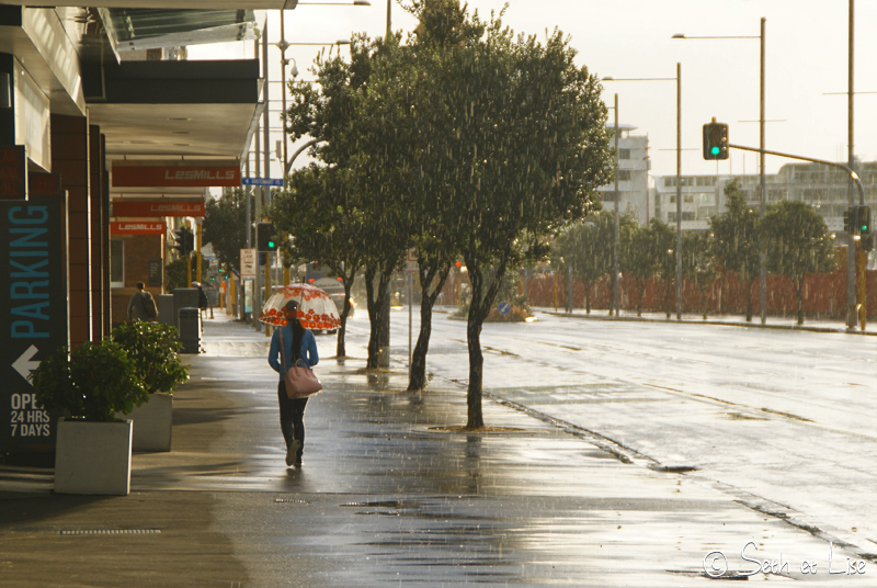blog whv nouvelle zelande pvt voyage photographie seth lise auckland nord ile pluie fille seule