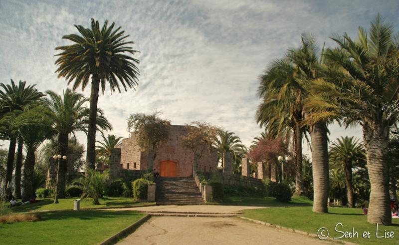 chateau sur la colline san cristobal