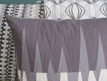 sewkatiedid/opposing triangles pillow