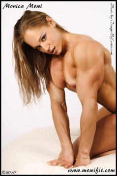 huge female bodybuilders