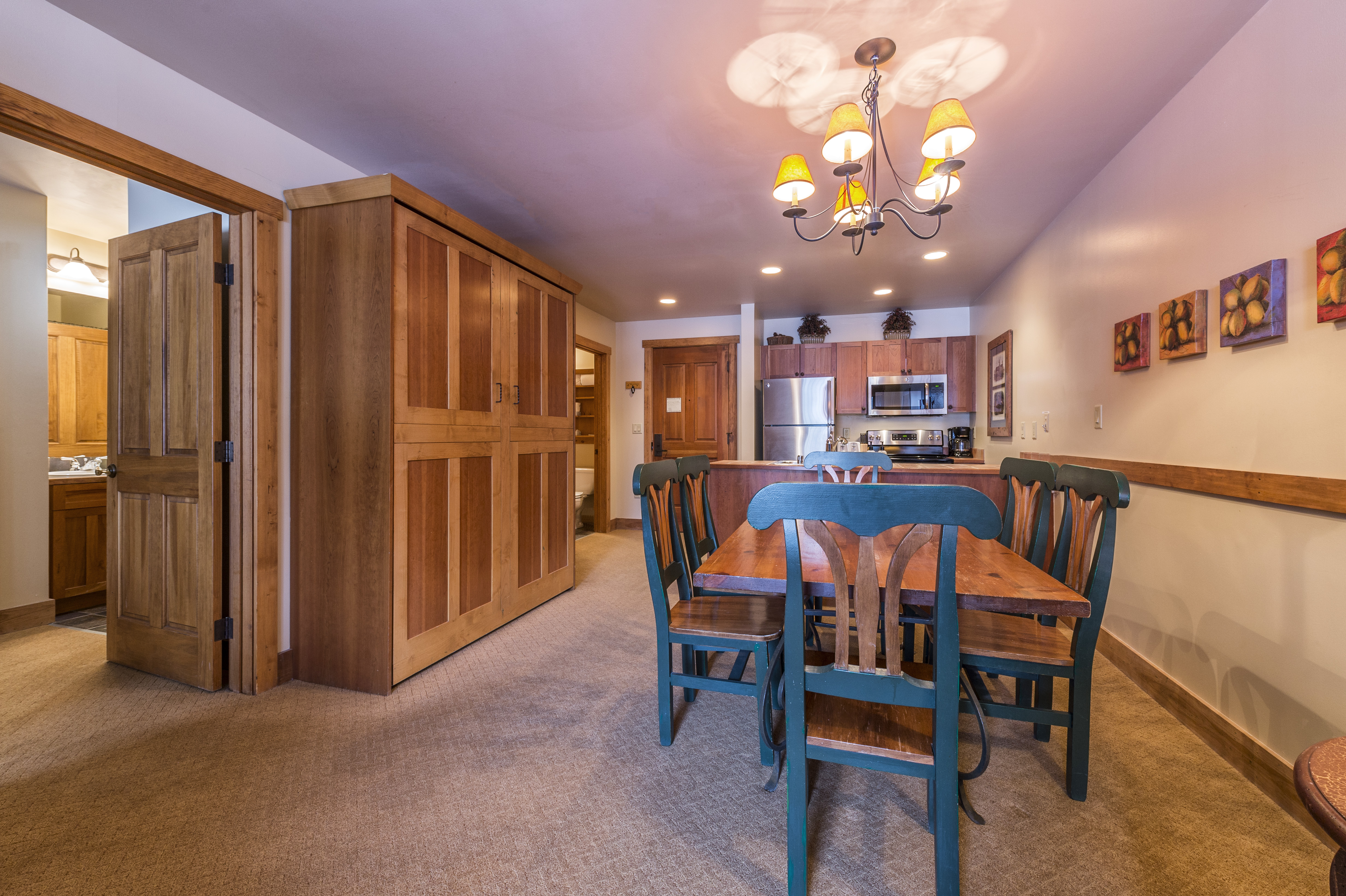 1g murphy kitchen table Pull down Murphy bed cabinet kitchen at far end 2nd Bath for those