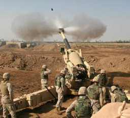 U.S. Marines fire on Fallujah, Nov. 11, 2004 - Photo: Lance Cpl. Samantha L. Jones.jpg