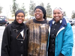 Hafsa, Hamdiyah and Wanda make a Sister-to-Sister visit to women locked behind enemy lines. – Photo: Wanda Sabir