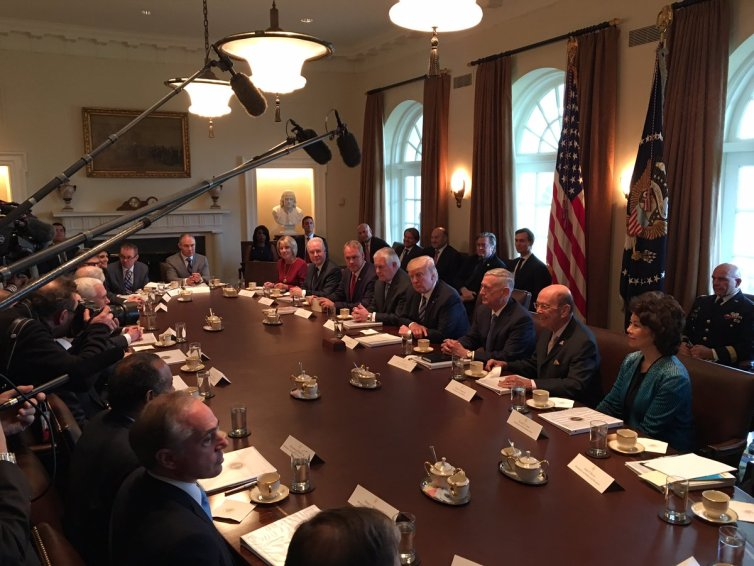 trump-cabinet-meeting-1
