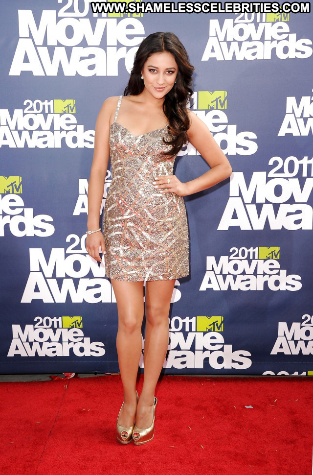 Shay Mitchell Pictures Sea Brunette Celebrity Hot Sexy