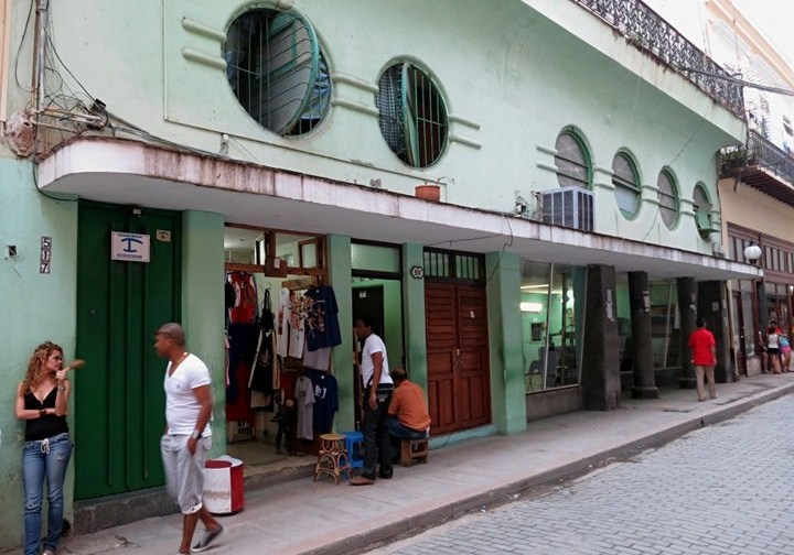Havana Art Deco-portholes-2013 03-small