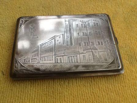 cigarette case-Santiago Llandro