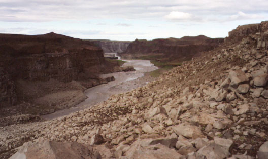 The Dettifoss canyon