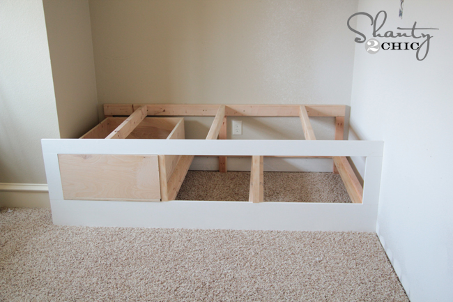 Build Daybed Free Daybed With Storage Drawers Underneath