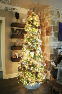 How to Decorate a Rustic Christmas Tree - Shanty 2 Chic
