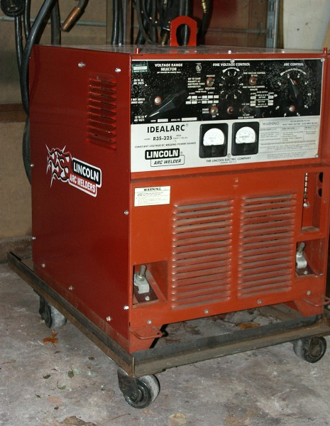 For Sale - Lincoln Electric R3S-325 with LN-7 wire feeder