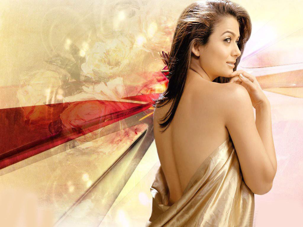 Dia Mirza Cute Wallpapers Amrita Arora Hot Dress Without Shirt