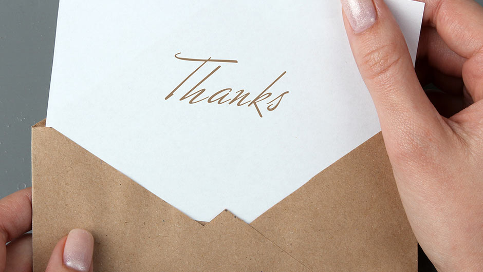 9 Mistakes The Bride Makes On Wedding Thank You Notes - SHEfinds