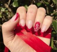 30 Attention-Grabbing Christmas Nail Designs - SheIdeas
