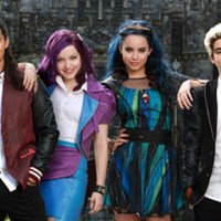 "10 Things You Didn't Know About Disney's ""Descendants"" Plus Fill In the Blank Game!"