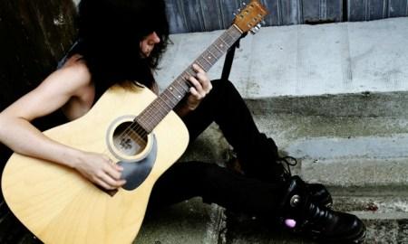 La cantautora francesa presentará su último álbum en BarnaSants y el Let's Festival // www.edithcrash.com