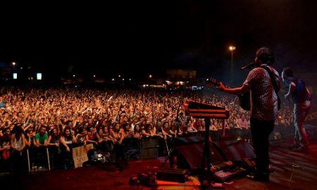 Love Of Lesbian, concierto más multitudinario del Jueves // Arenal