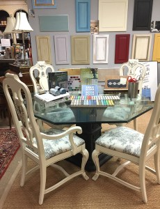 The dining set after being re-styled with Old White and Graphite Chalk Paint ®