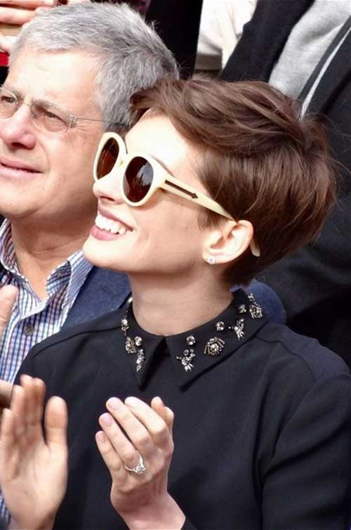 Anne Hathaway Cute Short Hairstyle
