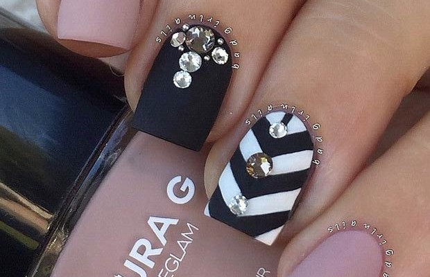 25 Matte Nail Designs Youll Want To Copy This Fall Beauty