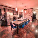 Awesome kitchen with built-in dining area