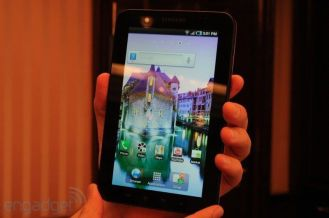 samsung-galaxy-tab-hands-on-02