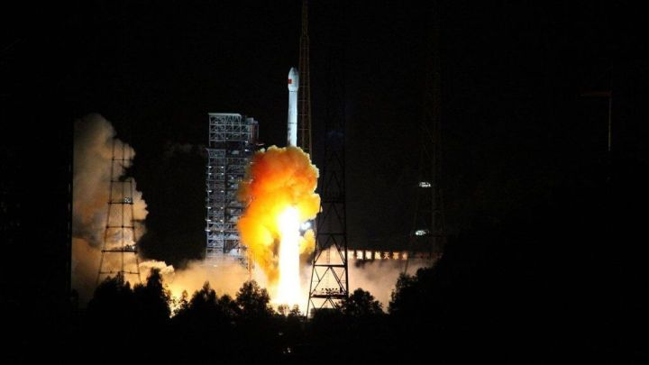 Esta é a primeira vez que os cientistas chineses têm como meta o retorno de um módulo orbital - STR/AFP