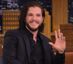 "Kit Harington no ""The Tonight Show com Jimmy Fallon"""