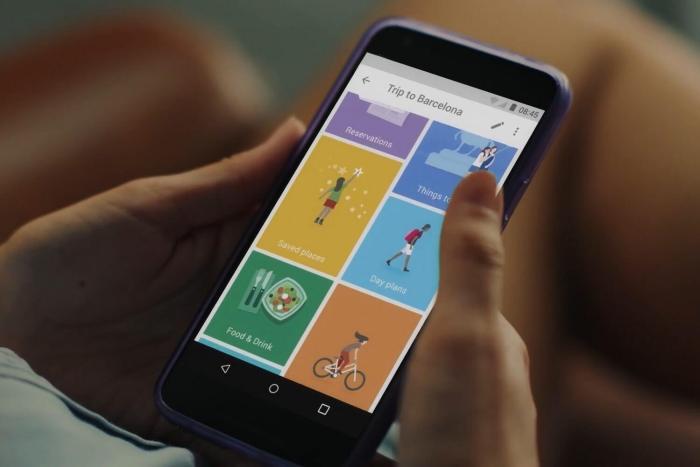 """Google Trips tem recursos como o """"magic wand"""", que mostra novas opções de lugares, permitindo que o roteiro seja alterado rapidamente"""