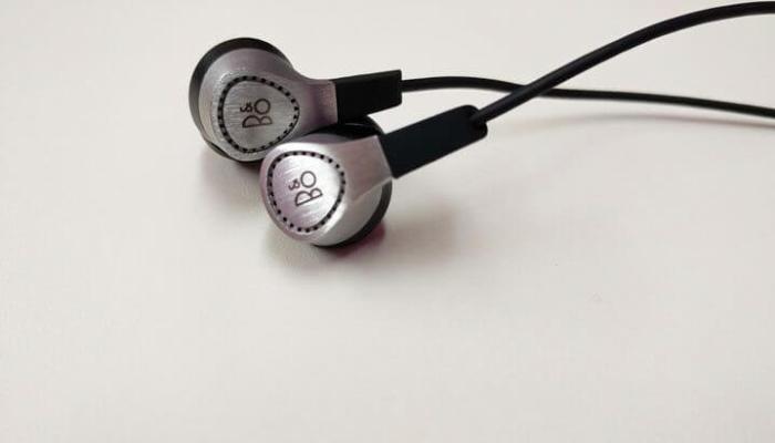 fone intra auricular H3 by B&O