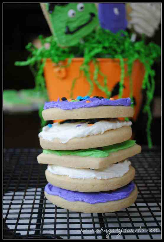 Monster Sugar Cookies: soft sugar cookies frosted for halloween!