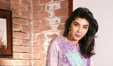 Sapphire Pakistan Day to Night Lawn Looks Sadaf Zarrar titles image