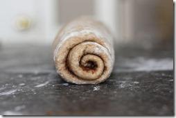cinnamon roll log