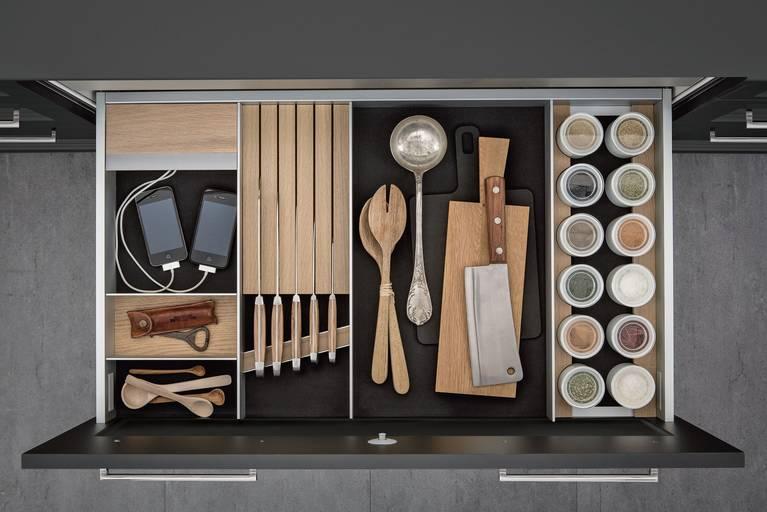 Dramatisches weises interieur design beeinflusst escher  http://wohnideen.minimalisti.com/ | east austin home | pinterest ...
