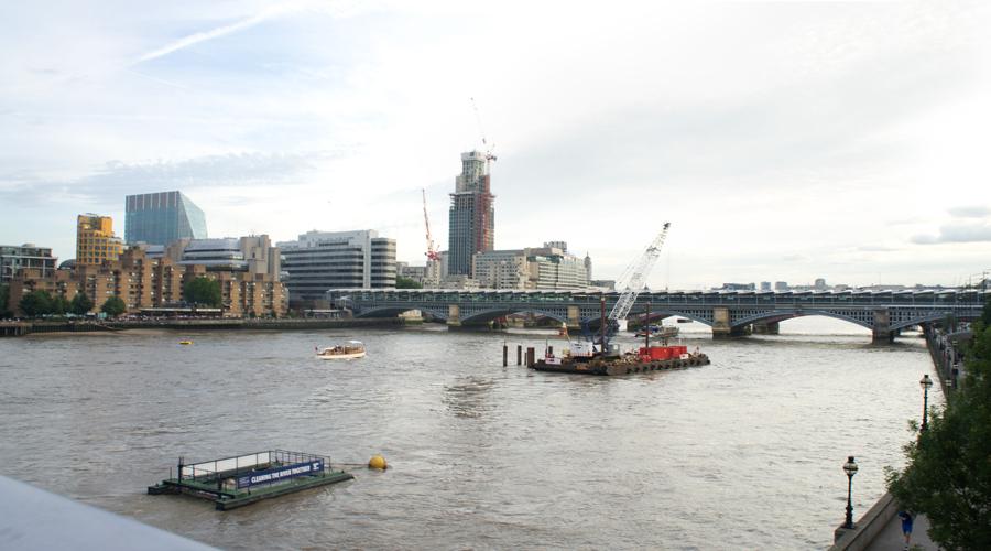 2014-millennium-bridge-london-uk-01