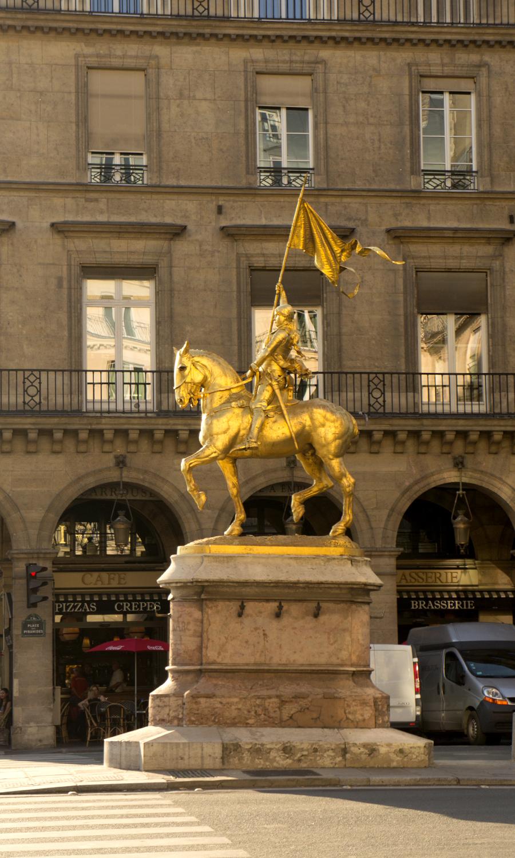 2014-paris-jeanne-d-arc-statue-joan-of-arc