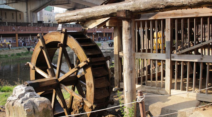 2015-04-11-korea-seoul-ansan-water-wheel